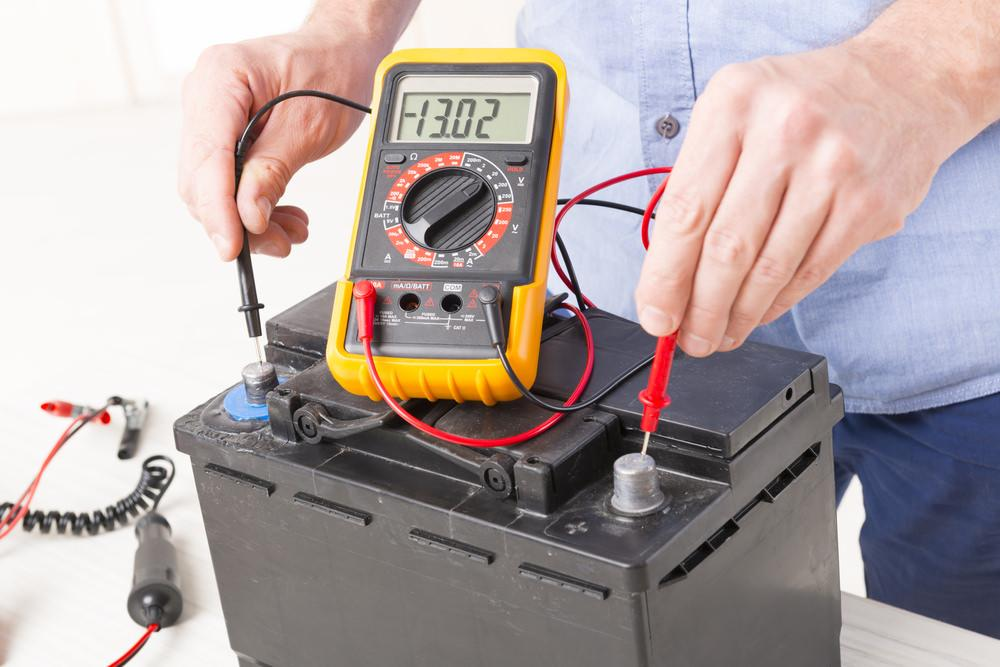 Car Battery Voltage >> How Many Volts Is A Car Battery What S The Ideal Range